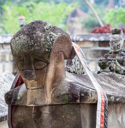 Mengenal Lebih Dekat Makam Raja Sidabutar