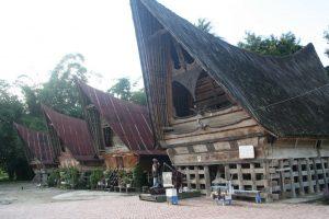 kawasan kampung batak - wisata danau toba - desa tomok