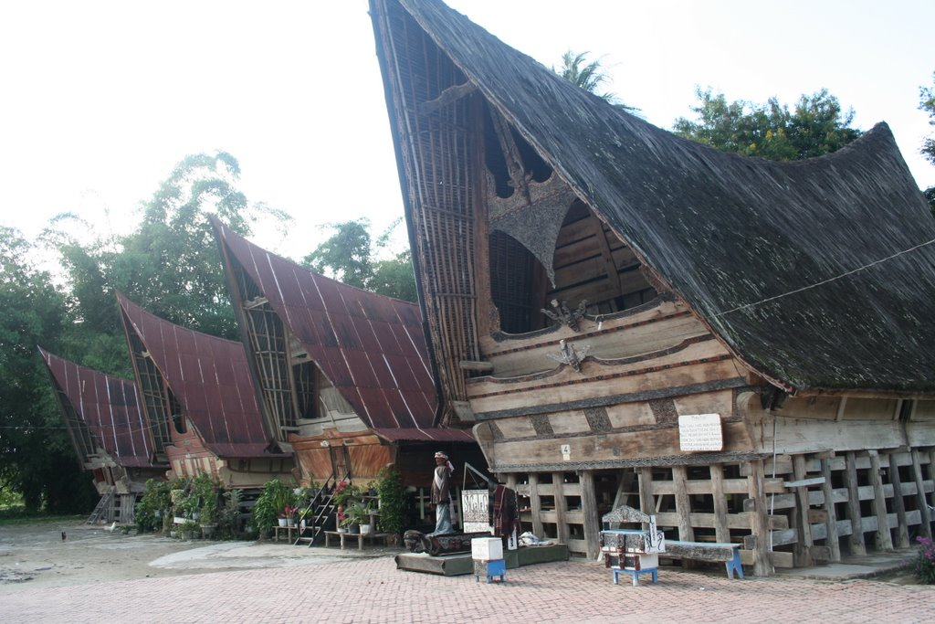 kawasan kampung batak - wisata danau toba - desa tomok - rumah adat batak