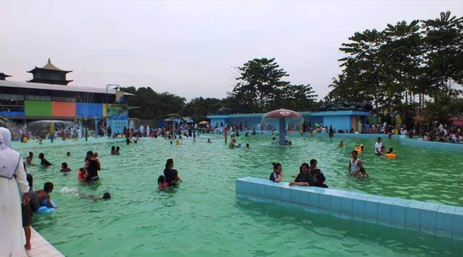 Kolam Renang Tamora Indah Waterpark