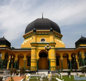 Masjid Raya Al-Osmani Tempat Wisata Religi Terbaik Di Kota Medan