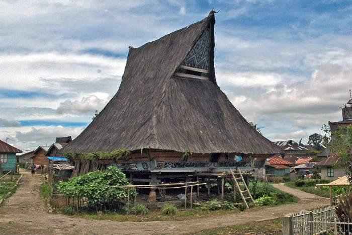 Rumah Adat Karo di Desa Lingga