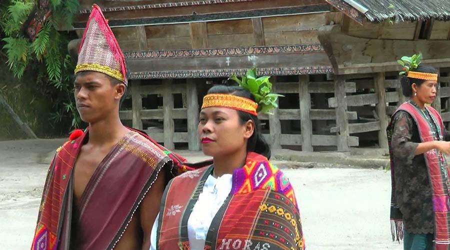 Tourtoba.com - wisata danau toba - bahasa batak - belajar bahasa batak - kata-kata bahasa batak - obrolan bahasa batak - bahasa batak sehari-hari