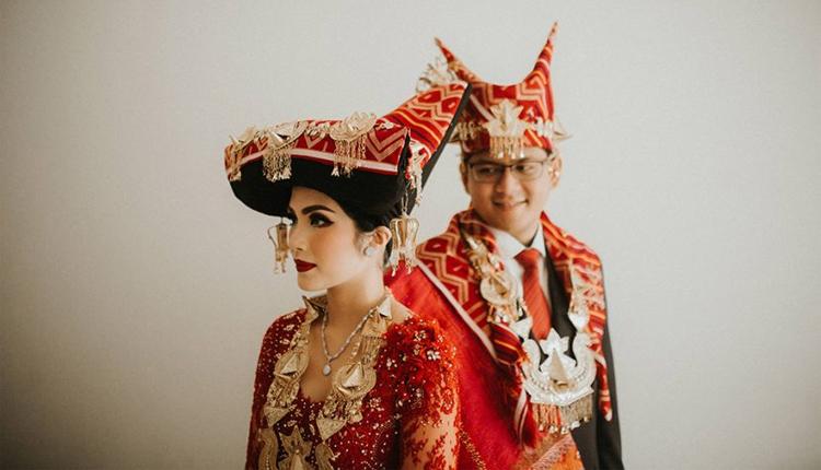 TourToba.com - Pakaian adat sumatera utara-Pakaian Adat Karo-Pakaian Adat Melayu-Pakaian Adat Pakpak-Pakaian Adat Simalungun-Pakaian Adat Mandailing