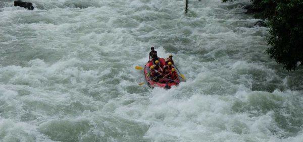 Wisata Sungai Asahan, Menjajal Adrenalin dan Rafting!