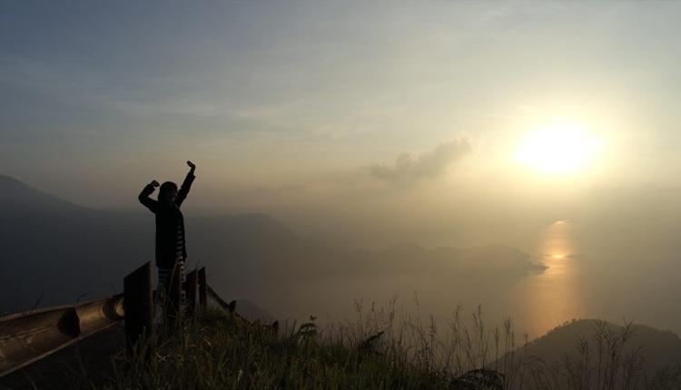 TourToba.com - Wisata Danau Toba - tempat wisata huta janji - menikmatai sunrise di huta janji - lokasi tempat wisata huta janji