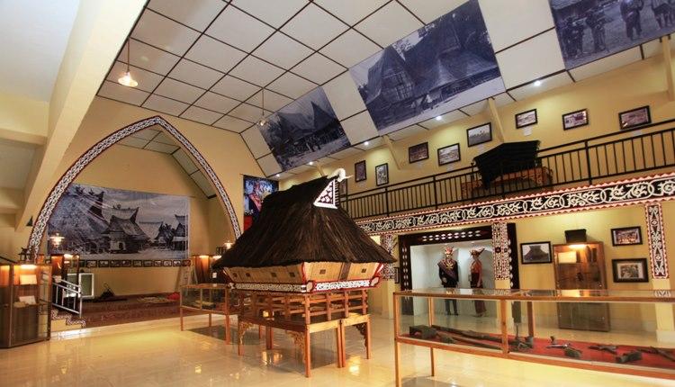 TourToba.com - Wisata Danau Toba - museum pusaka karo - wisata di Berastagi - tempat wisata pusaka karo - sejarah museum pusaka karo